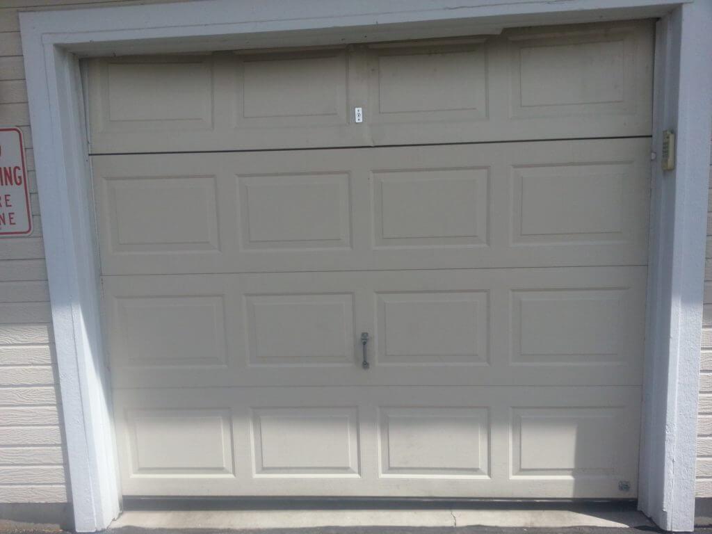 Top 2 Reasons To Call A Professional Garage Door Repair Company