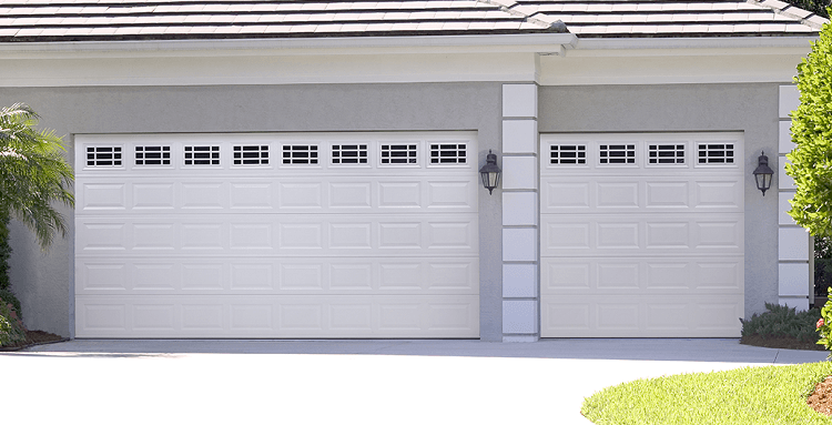 YOUR GARAGE DOOR:  WHAT TO LOOK FOR
