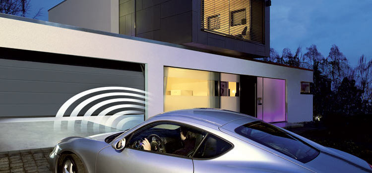 CONVENIENCE FOR EVERYONE: AUTOMATIC GARAGE DOOR