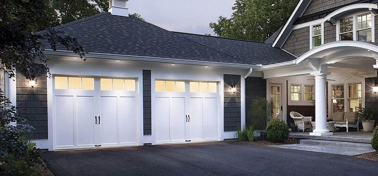 The Barn Effect – A New Westernized Garage Door Trend