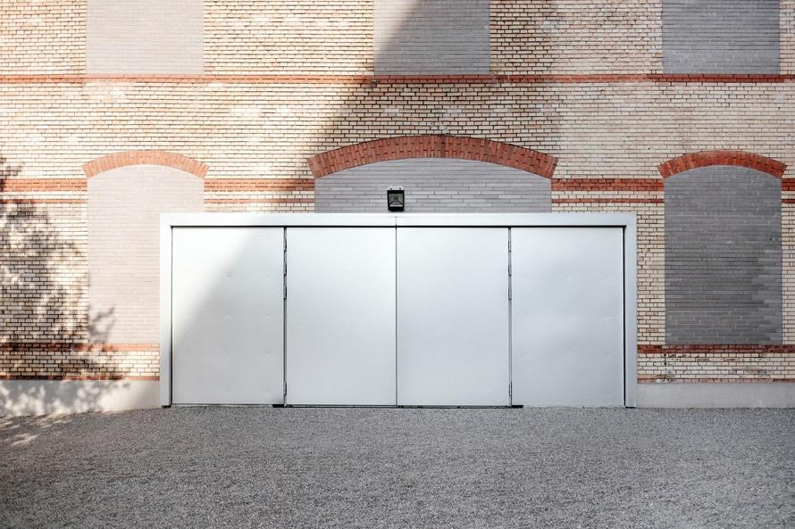 Summer Garage Door Repair In Denver Colorado North